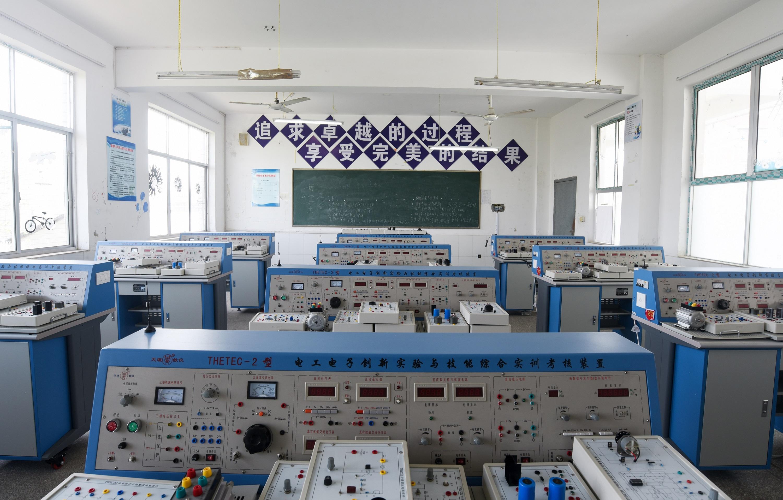 基础电工电子实训室